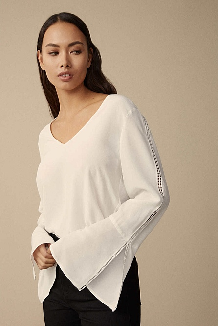 7968712fc45a78 Woven Spliced Trim Top | Clothing